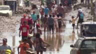 Damnificados por las avalanchas de lodo y el desborde de rios en localidades al norte de Peru claman por ayuda especialmente aquellos que no pueden...