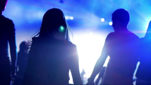 Tanz Mädchen in einem Nachtclub
