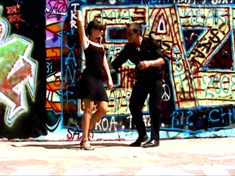 Dancing Salsa in Berlin city center