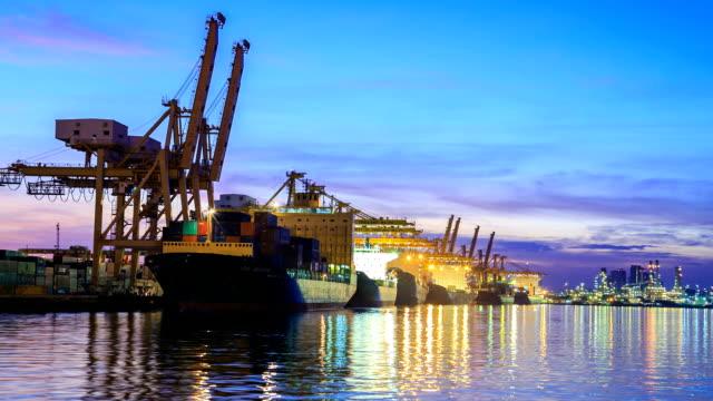 Morgendämmerung bis Tag Cargo-Timelapse