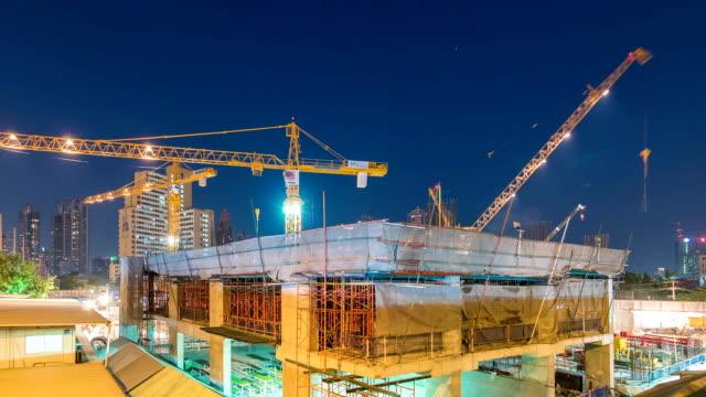 Tag bis Nacht Zeitraffer von Baustelle