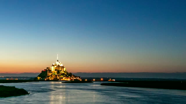 HD day to night Timelapse: Mont Saint Michele action France