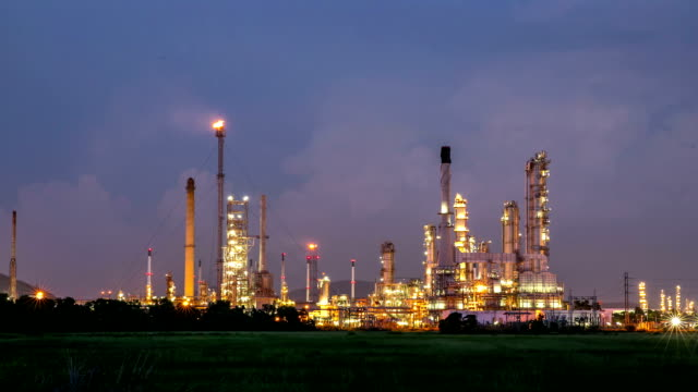HD Day to Night Time-lapse: Oil Refinery Plant working
