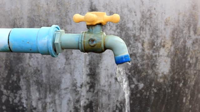Defekten Wasserhahn