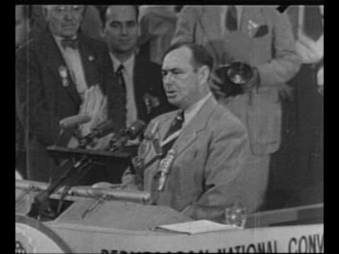 WS delegates on convention floor at 1952 Republican National Convention at Chicago's International Amphitheatre / SOT convention chairman MA...