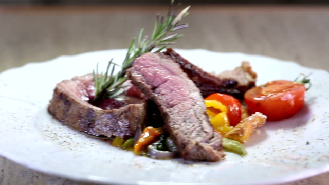 Delicious steak with vegetables - dolly video