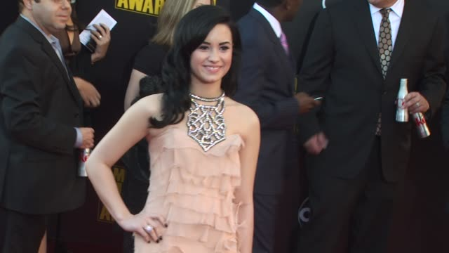 Demi Lovato at the 2009 American Music Awards Arrivals at Los Angeles CA