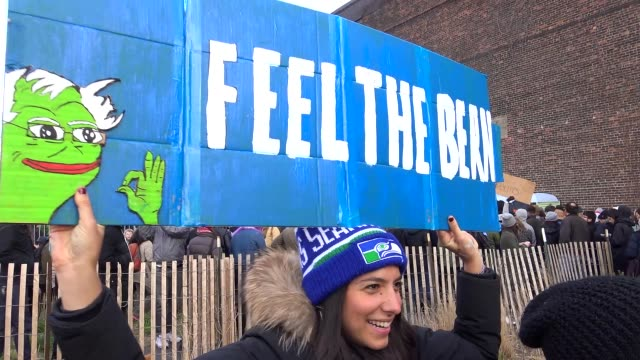 Democratic presidential candidate Senator Bernie Sanders holds rally at WNYC Transmitter Park in Greenpoint Brooklyn on April 8 2016 The New York...