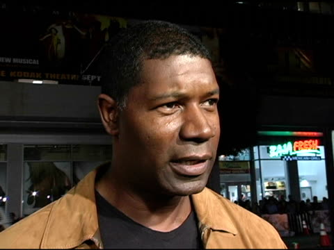 Dennis Haysbert on Alexander Angelina Jolie and his current 'Pearl Harbor' project at the 'Alexander' Premiere Interviews at Grauman's Chinese...