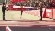 WGN Dennis Kimetto wins the Chicago Marathon More Than 40000 Participated In Chicago Marathon Winner Runs Through Finish Line Of Marathon on October...
