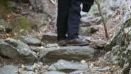 Aflopende voetpad close-up.