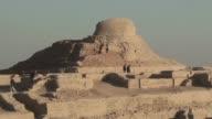 Desconocida para el mundo la antigua y enorme ciudad de Mohenjo Daro en Pakistan esta recibiendo la atencion de un equipo de arqueologos...