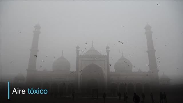 Desde Nueva Delhi en India a Lahore en Pakistan el norte del subcontinente indio esta sumido en una sofocante y espesa niebla contaminante un riesgo...