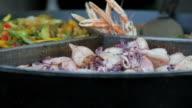 Diversi frutti di mare su un piatto