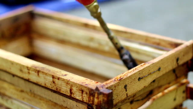Disinfection of frames for the bees