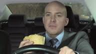 HD: Essen beim fahren nicht ablenken