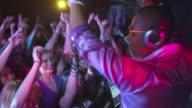 HD: Motivation von Gäste-DJs tanzen