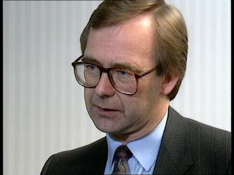 Docks dispute Intvw Nick Finney 'Dockers not supporting strike' Intvw Cecil Parkinson 'Pointless strike' Transport Hse Man on megaphone as delegates...