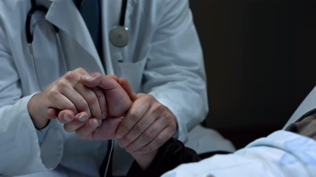 HD: Arzt helfen Patienten die Todesstrafe und sterben