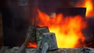 MS Dolly brand in de hoogovens. Verwerking van staal in de ijzergieterij plant.