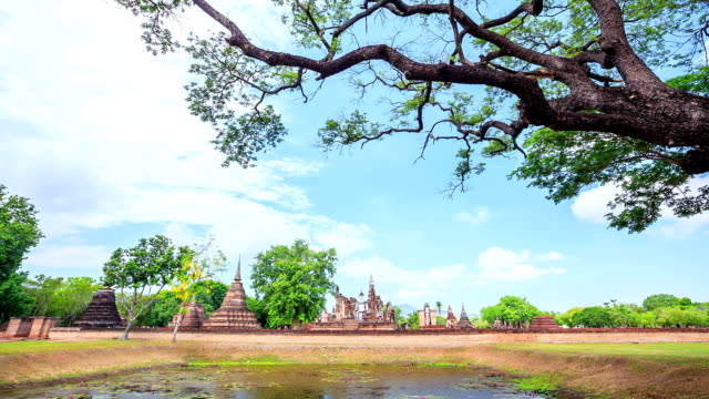 Dolly Time-lapse: Sukhothai historical park Thailand
