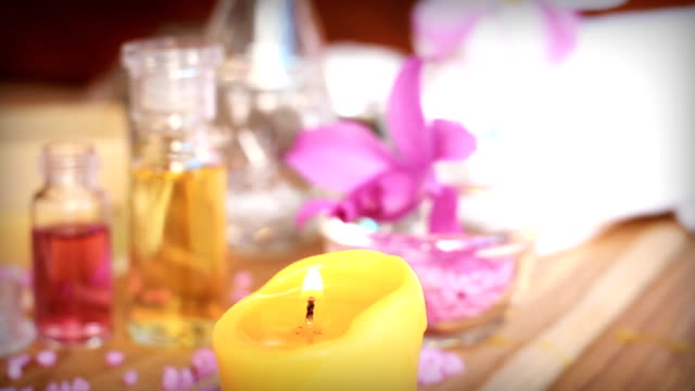 HD dolly:aromatherapy massage oil.