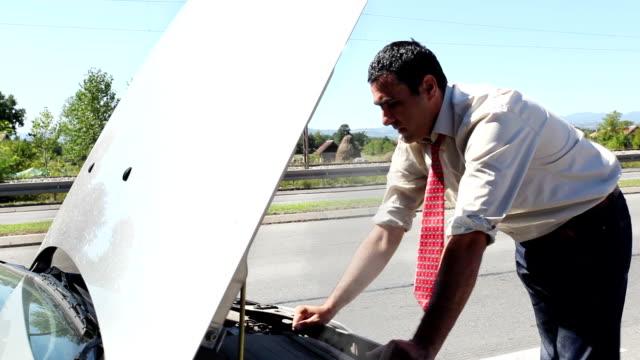 DOLLY:Car breakdown