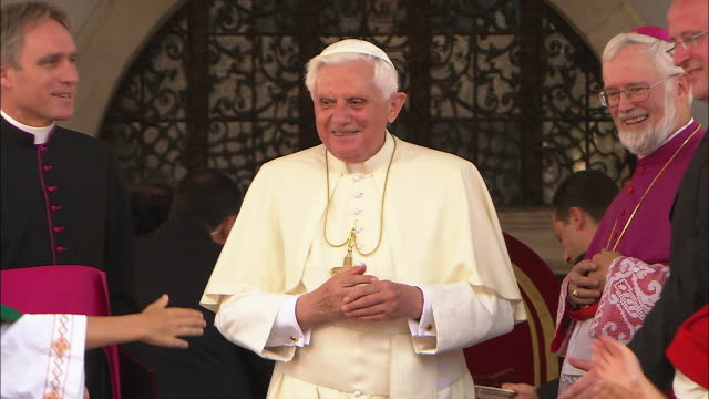 Donates blessing, south tyrol 2008 with the pope
