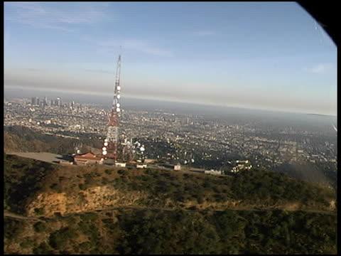 Der Innenstadt von Los Angeles im Hollywood Hills: Von LAPD Polizei Hubschrauber