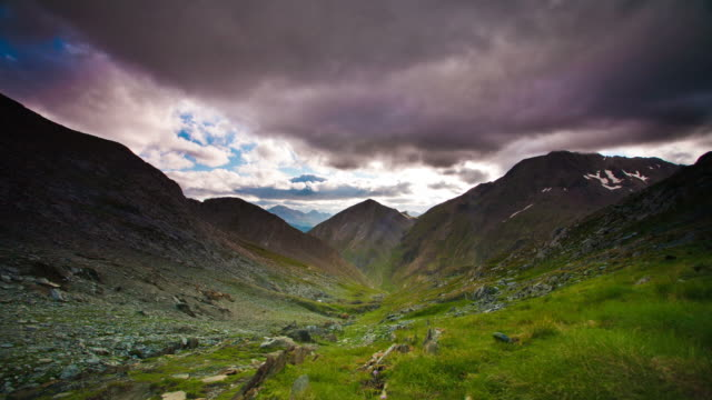 TIME LAPSE: Dramatic Sky Pyrenees