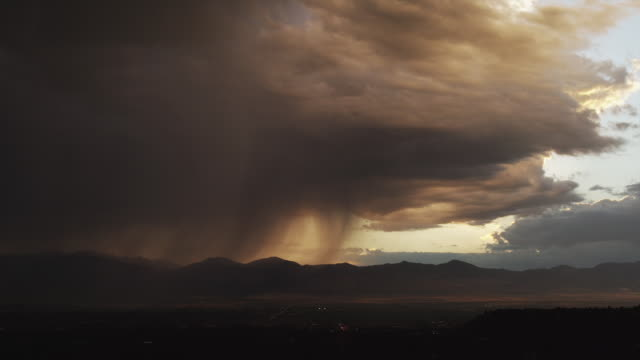 WS Dramatic stormy clouds over mountains / Draper, Utah, USA
