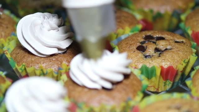 Dressing Cream on Cupcake