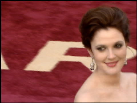 Drew Barrymore at the 2005 Academy Awards at the Kodak Theatre in Hollywood California on February 27 2005