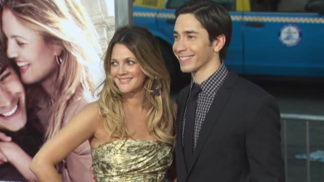 Drew Barrymore Justin Long at the 'Going The Distance' Premiere at Hollywood CA
