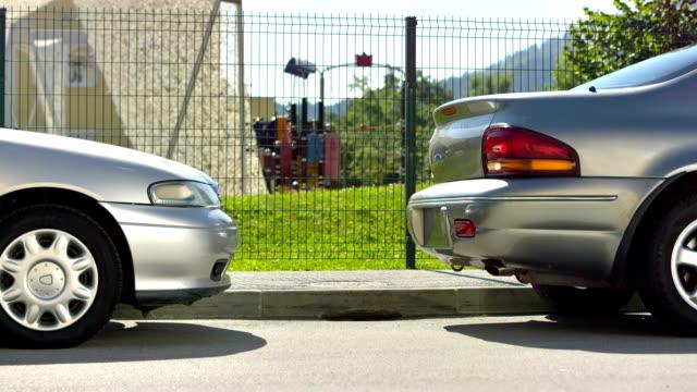 Frau Fahrer Auto geparkt — ein