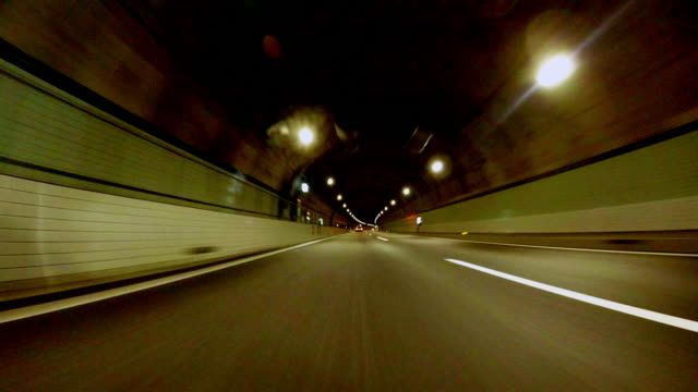 Körning i tunnel -4 K-