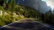 Fahren Sie auf den Dolomiten