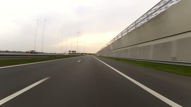 Percorrendo l'autostrada POV