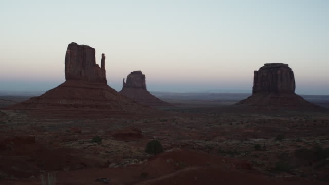 WS, East Mitten and West Mitten buttes at dusk, Monument Valley, Arizona, USA