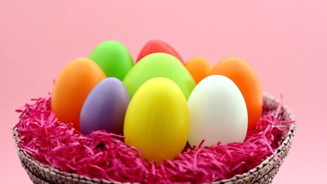 Uovo di Pasqua cesto di tornitura anello