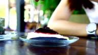 eat blueberry pie