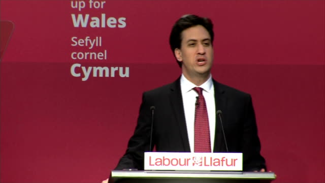 Ed Miliband speech to Welsh Labour Conference WALES Swansea Welsh Labour Party Conference INT Ed Miliband MP given standing ovation as to stage...