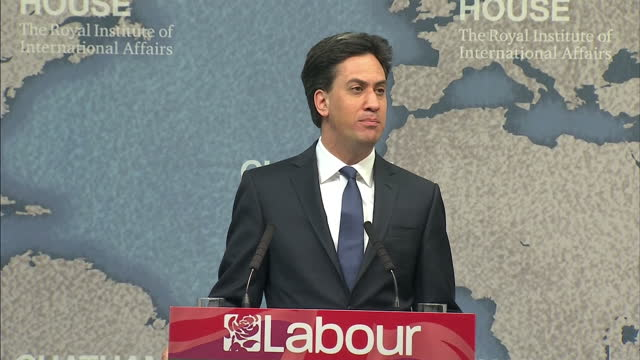 Ed Miliband talks foreign policy at Chatham House Shows interior shot Ed Miliband talking about budget concerns regarding the MOD on April 24 2015 in...