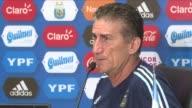 Edgardo Paton Bauza fue despedido el lunes como entrenador de la seleccion argentina de futbol mientras el equipo se encuentra en zona de repesca de...