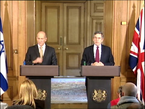 Ehud Olmert press conference with Gordon Brown ENGLAND London Downing Street INT Gordon Brown MP press conference SOT as standing next Ehud Omert On...