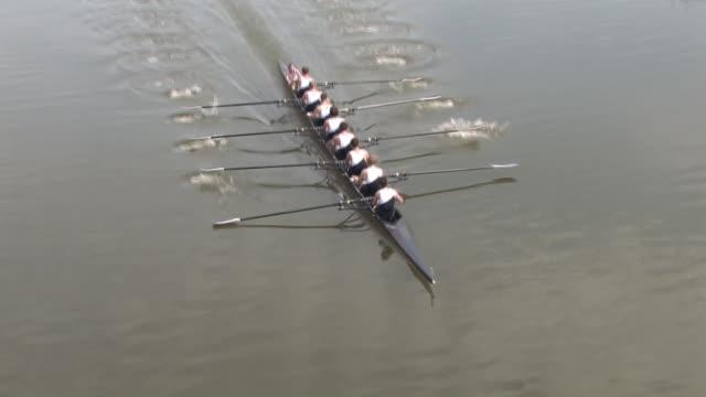 Otto uomo gara di canottaggio-Lavoro di squadra