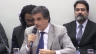 El abogado del gobierno brasileno nego el lunes que la presidenta Dilma Rousseff hubiese cometido un crimen de responsabilidad que justifique su...
