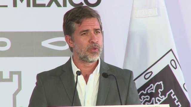 El alcalde de Ciudad de Mexico Miguel Angel Mancera presento una nueva ley para proteger a periodistas y a activistas en la ciudad en medio de...