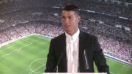 El argentino Leo Messi el portugues Cristiano Ronaldo y el frances Antoine Griezmann forman la terna para el mejor jugador del ano de la FIFA