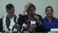 El candidato opositor de derecha a la presidencia de Ecuador Guillermo Lasso propuso el jueves redistribuir la propiedad de los medios de...